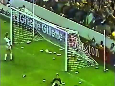 Brasil 1982 Joga Bonita ft Socrates