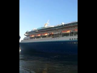 Pullmantur Monarch уходит из Неаполя в Турцию на слом
