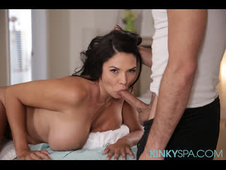 Массажист трахнул клиентку с большими сиськами (Missy Martinez,инцест,milf,минет,секс,анал,мамку,brazzers,PornHub,порно,зрелую)