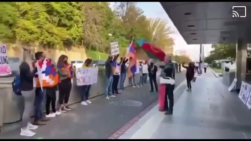 Противостояние у здания Государственного департамента США в Вашингтоне