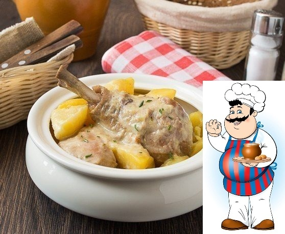 РАГУ ИЗ КУРИЦЫ В СМЕТАНЕ Ингредиенты на 6 порций: 1 крупная курица весом около 2 кг или аналогичное по весу количество куриных окорочков или бедер 700 г картофеля 2 средних луковицы 2-3 ч.л.