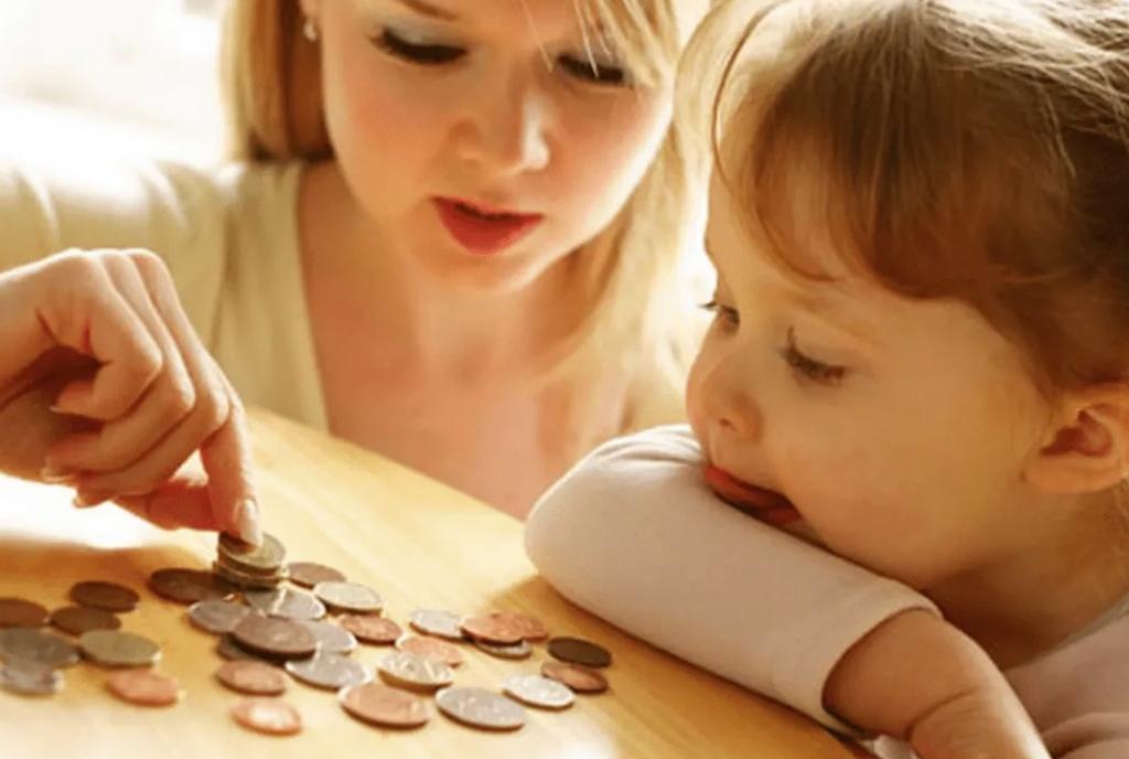 Стало известно, почему задерживаются выплаты на детей в КЧР?