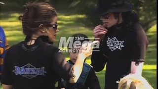 (Vídeo Raro) Michael Jackson and Lisa Marie Presley in South Africa 1997