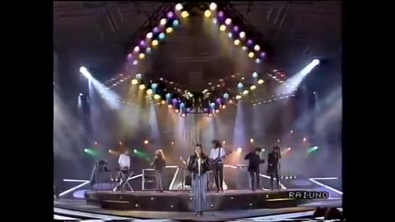 Belinda Carlisle Heaven Is A Place On Earth 1988