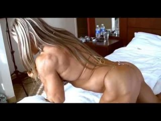 Huge muscle Blonde Amazon woman 5'10 high 180 pounds of ripped muscle