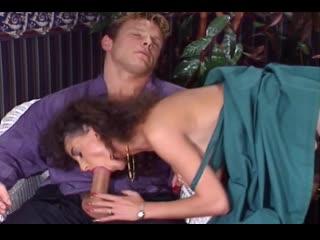 Сцена из Sarah Young. Private Fantasies(порно 90-х), 18+