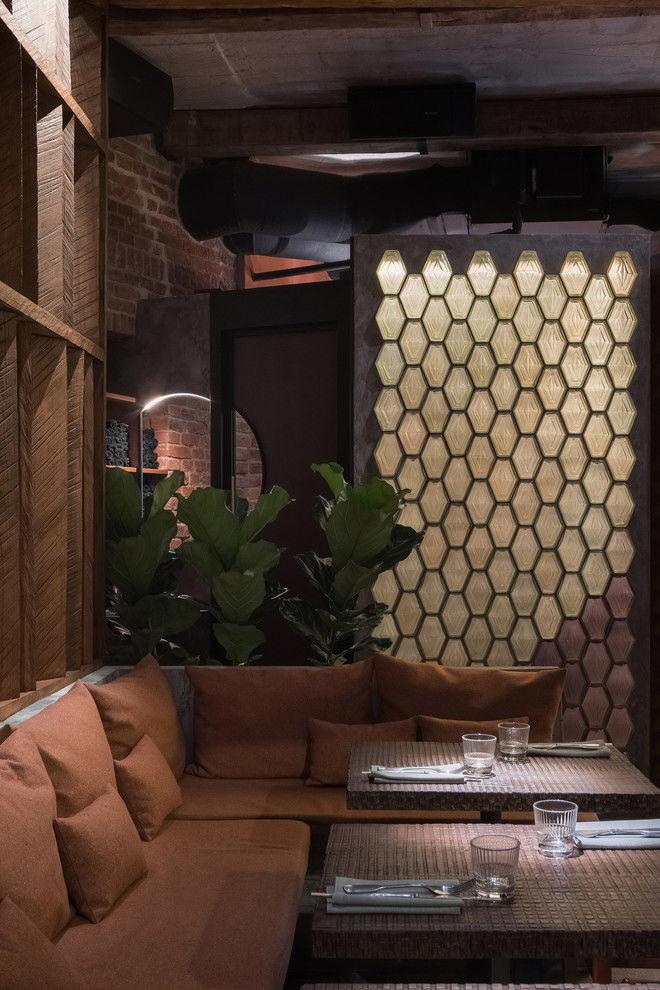 Топ самых необычных и модных дизайнерских ресторанов 2019 года от  ELLE DECORATION: паназиатский гастропаб в Москве по дизайну Sundukovy Sisters