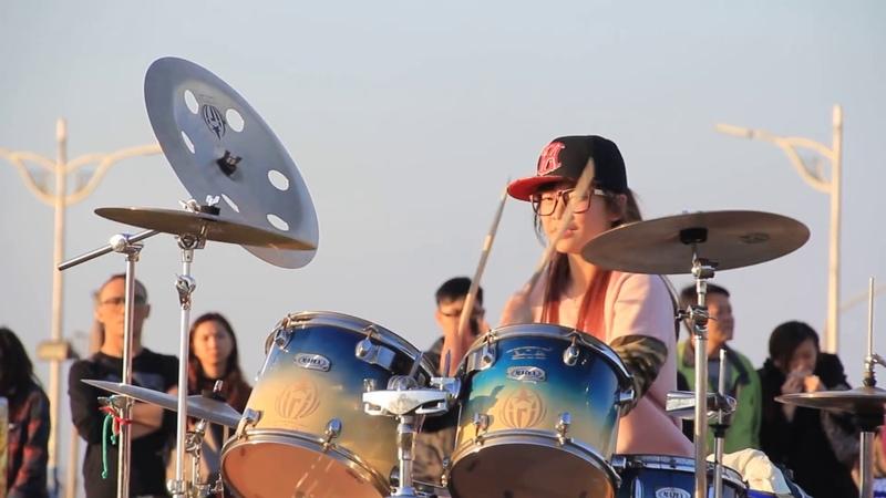 羅小白S White 爵士鼓 追追追 Барабанщица виртуоз из Тайваня Amazing Girl Drummer