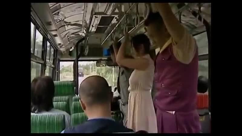 Залез Под Платье В Автобусе Порно