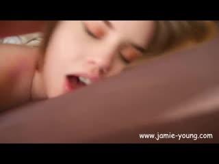 Cute teen gets hot facial - jamie young