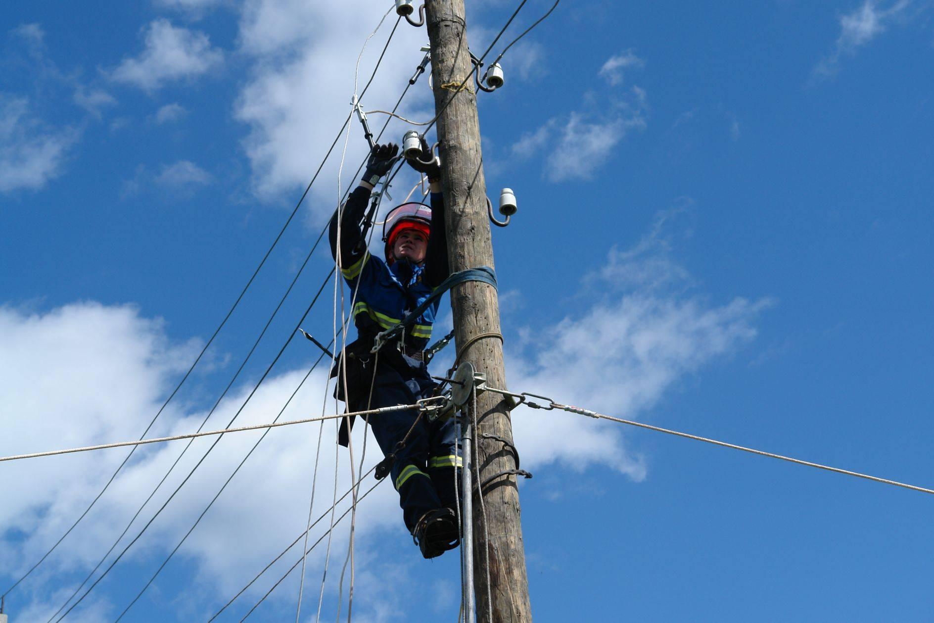В 13 населенных пунктах КЧР временно ограничат энергоснабжение