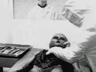 Alien autopsy - roswell ufo crash (original footage)