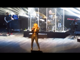 Anastacia back in black (ac/dc cover) in moscow (barvikha luxury village).