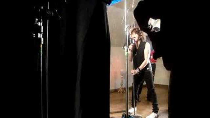 L.P. behind the scenes of Good With You/Cling To Me video