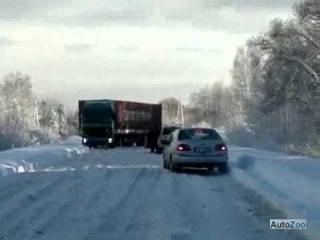 Водитель Ауди не любит стоять в пробках