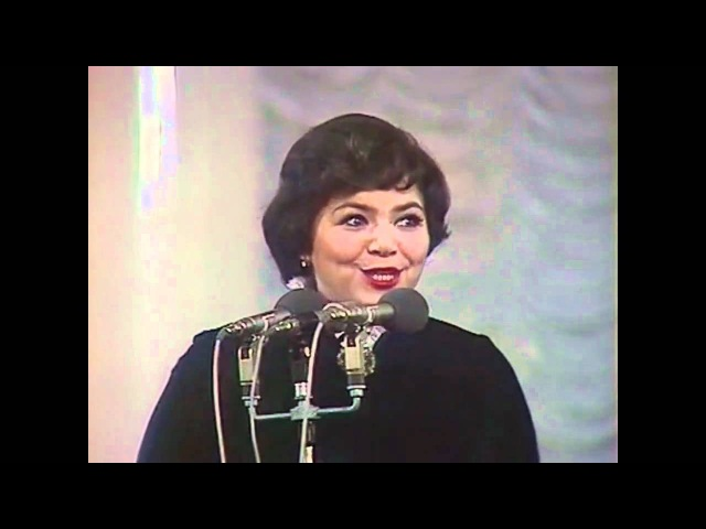 Старый клён. Поёт Майя Кристалинская. Stary Klion. Maya Kristalinskaya. Genius Russian singer