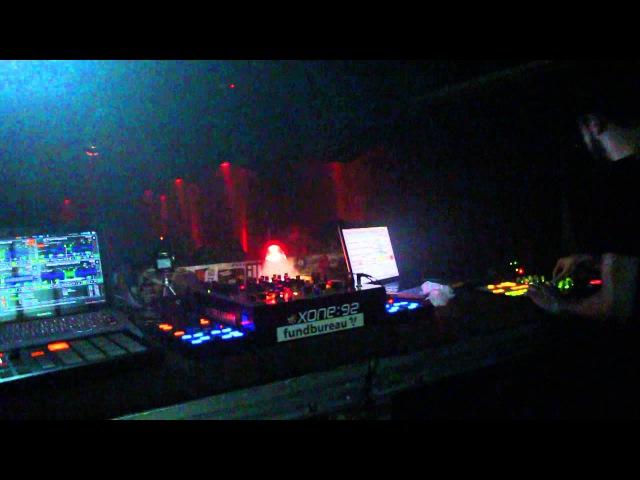 Dubit aka UNCOMROM153 *live @ Plastik 2013-12-25
