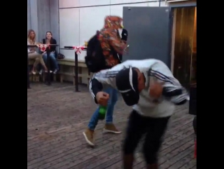 Ecco2k and thaiboy digital dancing