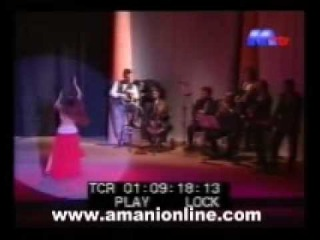 Amani Lebanese dance star : El hob Kolloh tambourine dance