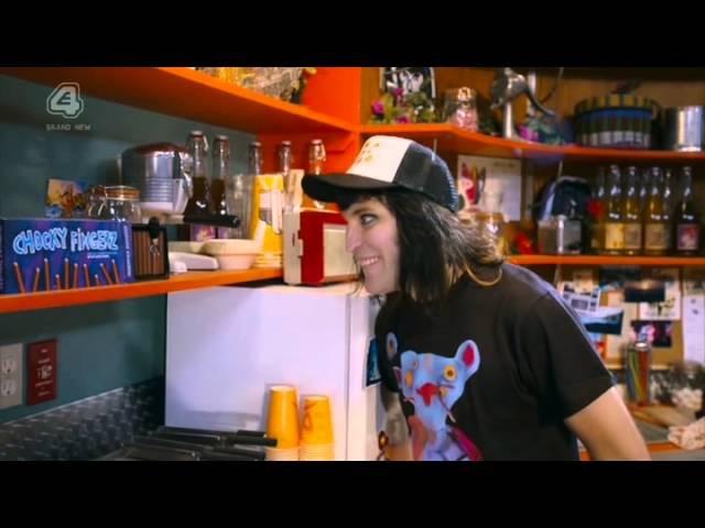 Noel Fieldings Luxury Comedy Сезон 2 Серия 1 в озвучке Danie Milk