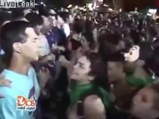 Семь тысяч геев и лесбиянок пошли на штурм храма