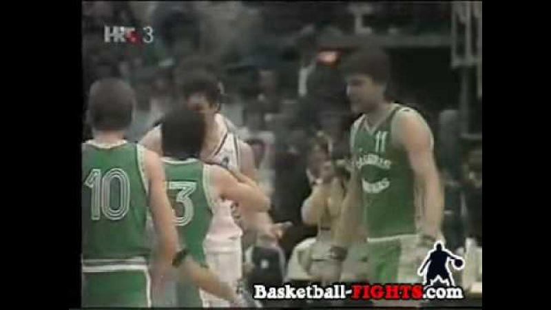 Cibona Zalgiris Sabonis Punches Nakic