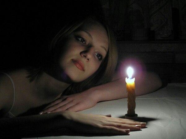 Заставить явиться.  #magiclife_вызовы Жгут свечу, срезая пламя ножницами, и говорят:  Как...