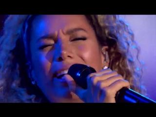 Leona Lewis slaying vocals in 2018 Performance from  @leonalewis BleedingLove
