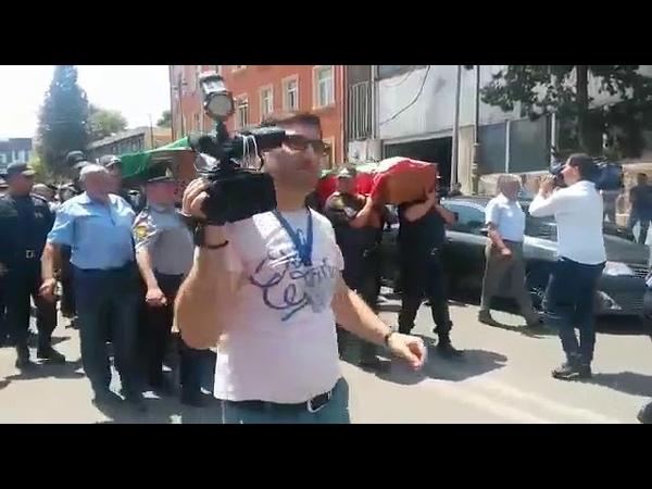 Gəncədə qiyam zamani helak olan polislerin defni