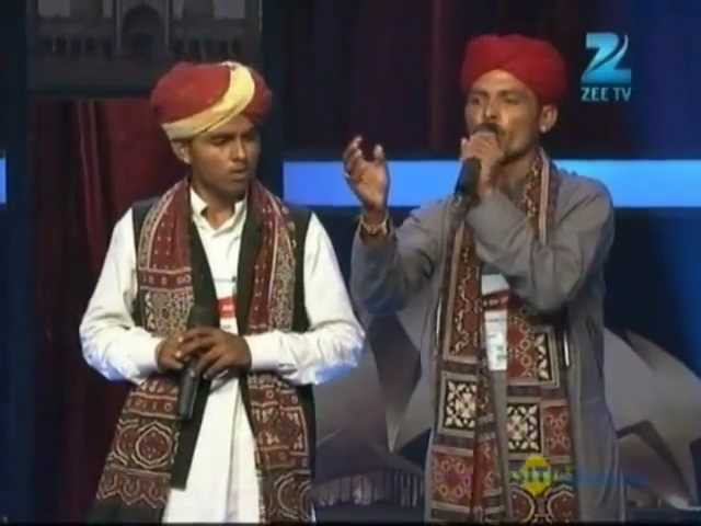 Asharaf Roje Khan Performs