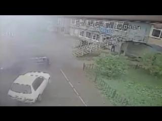 В УАЗе взорвалась запаска от грузовика