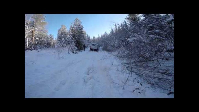Ленд Крузер 105 месит снег на 36 симекс