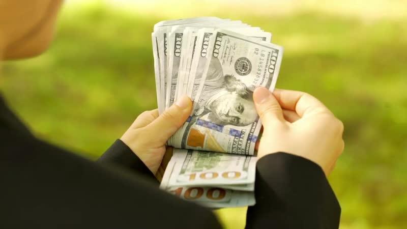 Футаж доллары в руках_ подборка из 10 видео. Руки, считающие деньги