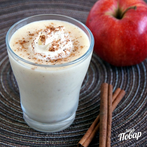 Яблочный коктейль на кефире с корицей
