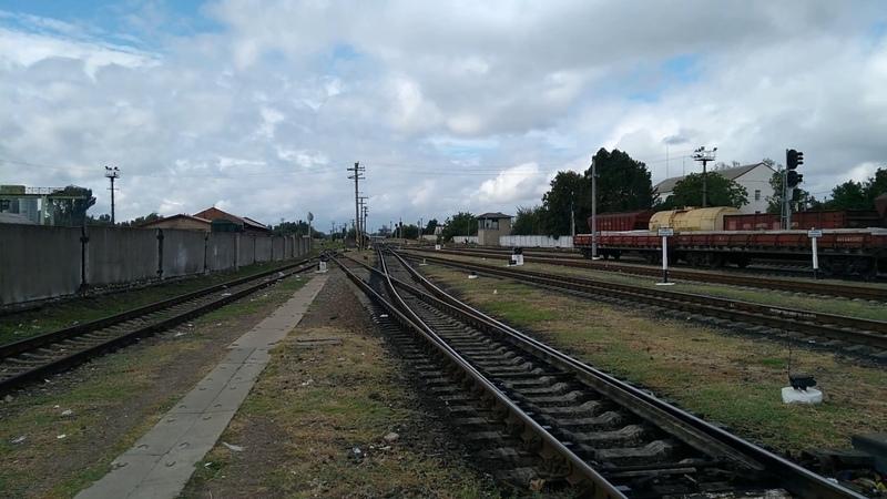 2ТЕ10ут 0032 з пасажирським поїздом №110 Львів Херсон