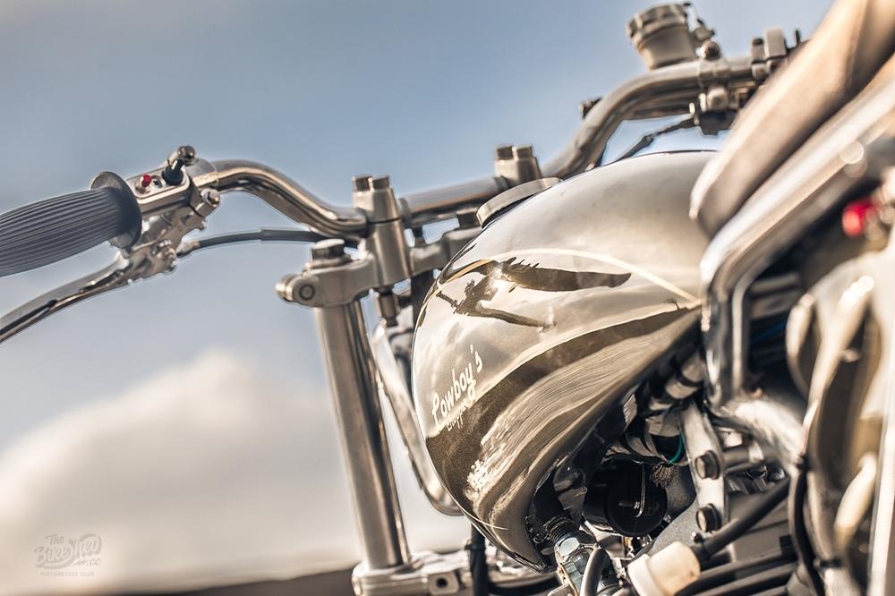 Cowboy's Chopper: брэт-кастом Hartford HD200