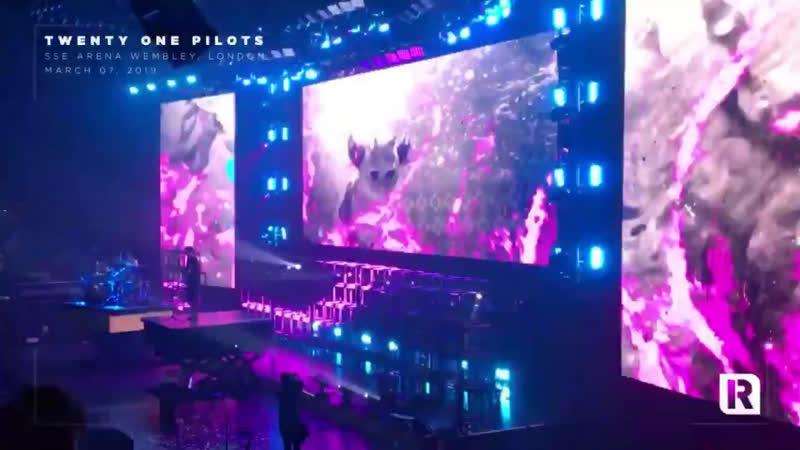 'CLORINE' live in London Twenty One Pilots