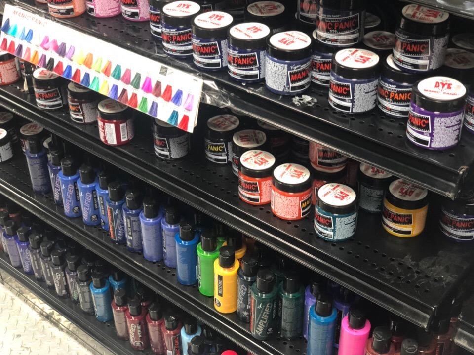 В каких магазинах стоит покупать краску Manic Panic?