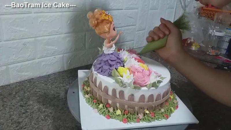 Decorate simple cream cakes with Chibi dolls (67) Bánh kem búp bê Chibi đơn giản đẹp mắt