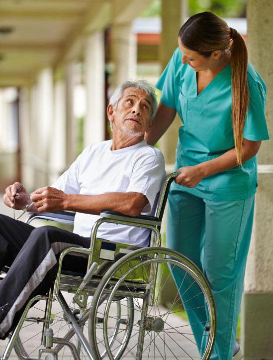 Пневмония является очень тревожным состоянием для пожилых людей из-за их слабой иммунной системы