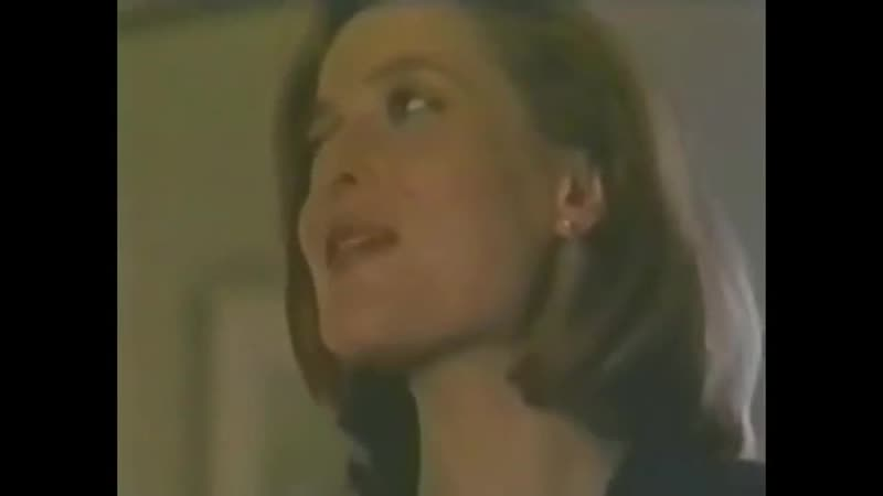 Gillian cussing in the x files gag reels