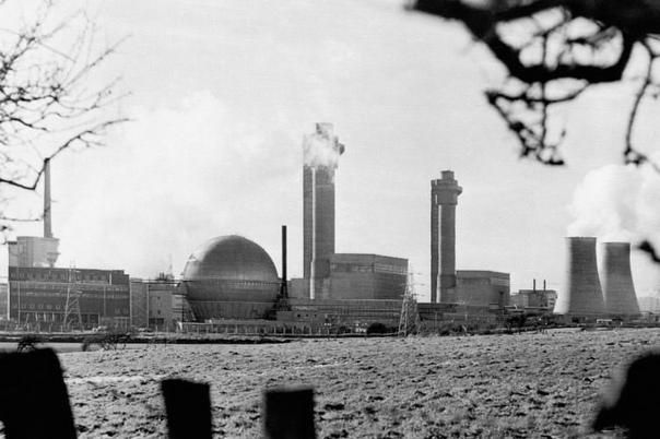 РАДИАЦИОННАЯ АВАРИЯ В УИНДСКЕЙЛЕ, ВЕЛИКОБРИТАНИЯ, 10 ОКТЯБРЯ 1957 ГОДА Атомный комплекс «Селлафилд» (Sellafield) расположен на северо-западе Англии в графстве Камбрия неподалеку от города