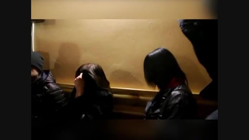 Сутенер наказал проститутку найти проституток донецка