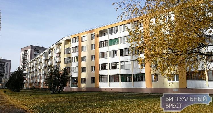 В Бресте горела бумага в почтовом ящике на ул. Скрипникова и балкон на Набережной
