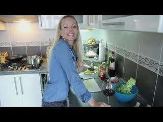 Jana Cova - Cooking With