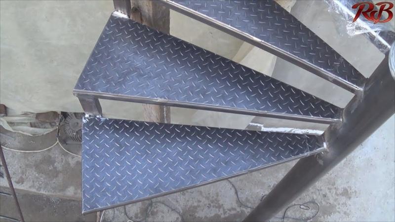Винтовая лестница своими руками Spiral staircase homemade