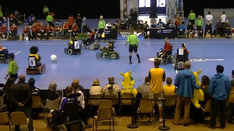 4 футбол на электроколясках для лиц с нарушением опорно двигательного аппарата