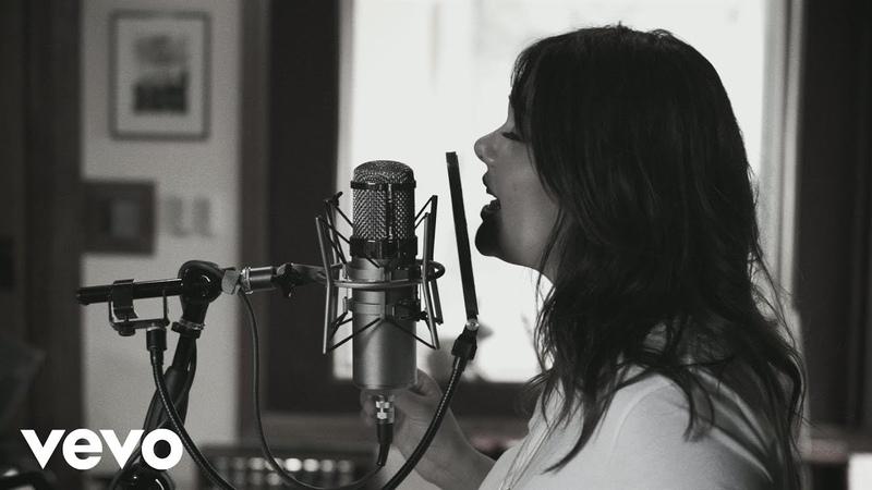 Yuridia - Ya Es Muy Tarde (Versión Piano y Voz)