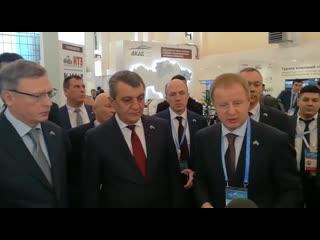 Сергей Меняйло посетил стенд Алтайского края на 16-м Межрегиональном форуме сотрудничества России и Казахстана