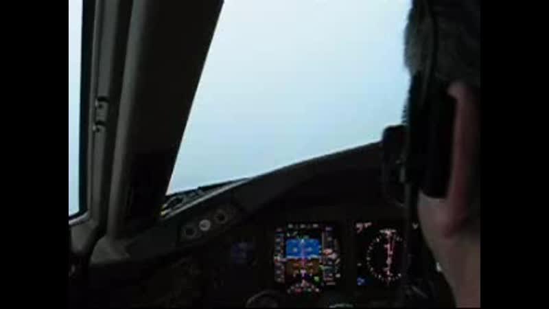 Автолэнд у Боинг 777